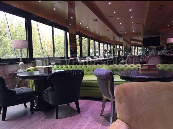 Restaurante eventos de empresa y familiares en un espacio diferente Cambrige Soho club