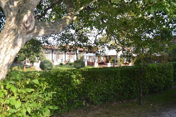 Amplios jardines para la celebración de tu evento en Finca de San Juan Hostería & Catering