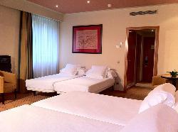 Habitación Cuádruple en Hotel Abba Burgos