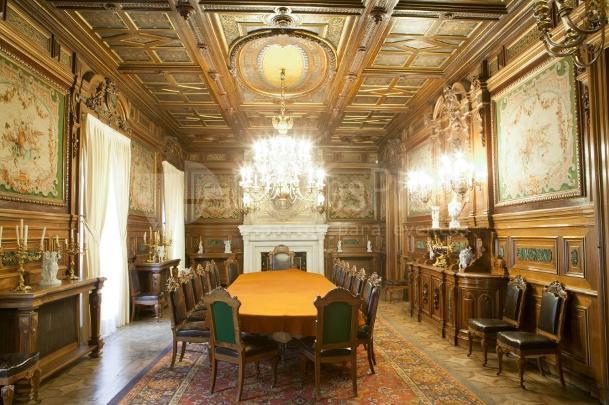 Interior 1 en Palacio de Fernán Núñez Comedor de Gala