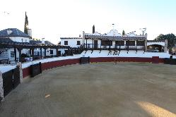 Finca Feligr+®s- Plaza de Toros 1.jpg