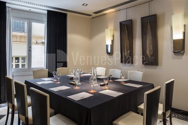 Sala Luna para eventos de empresa en Room Mate Larios