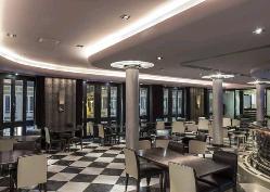 Bar Larios en Room Mate Larios