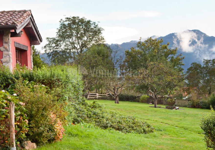 Preciosos jardines para eventos en El Pedrueco Turismo Rural