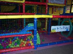 PARQUE DE BOLAS EN Play Story Parque Infantil