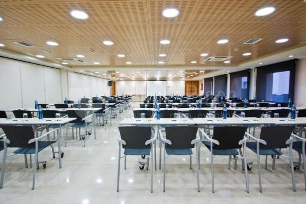 Eventos de empresa montaje en teatro en ABBA Centrum Alicante hotel****