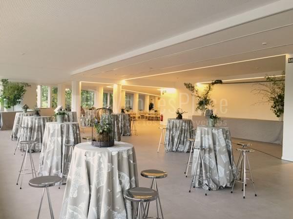 Montaje en cocktail eventos de empresa y  celebraciones en Rocio Gandarias Commodore