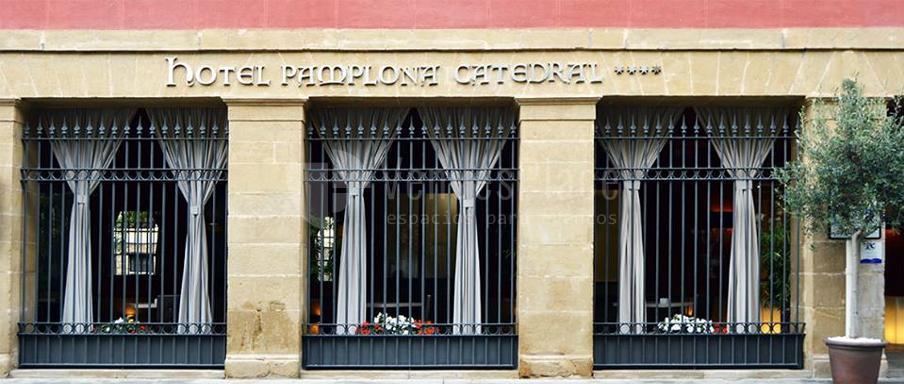 Exterior 2 en Hotel Pamplona Catedral