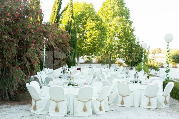 Banquete exterior bodas y banquetes Hotel Molino del Arco
