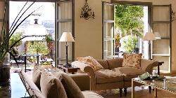 Salon para eventos más íntimos con acceso a patio Hotel Molino del Arco