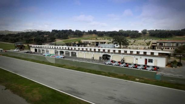 Exterior en Circuito Ascari