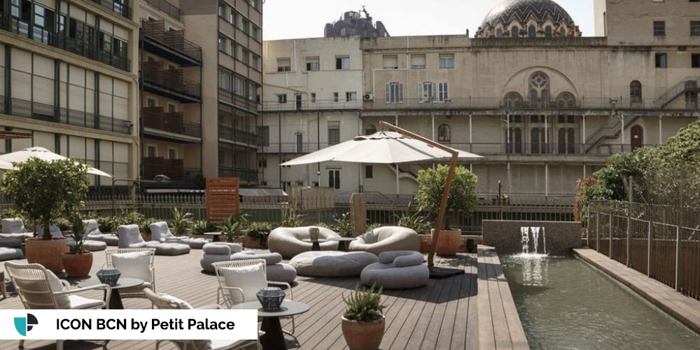 ICON BCN by Petit Palace terraza