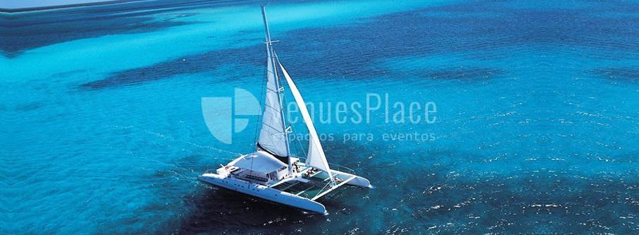 Organiza un evento original a toda vela en Barcelona con SailingBCN