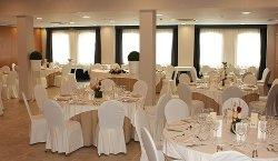 Salón Caleta en Sercotel Málaga Montaje banquete
