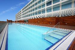 Disfruta de una piscina maravillosa en el Hotel Hiberus
