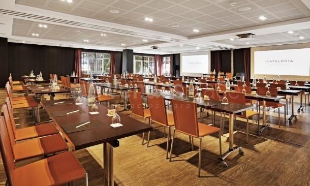 Montaje 2 en Hotel Catalonia Reina Victoria-Restaurante Azahar