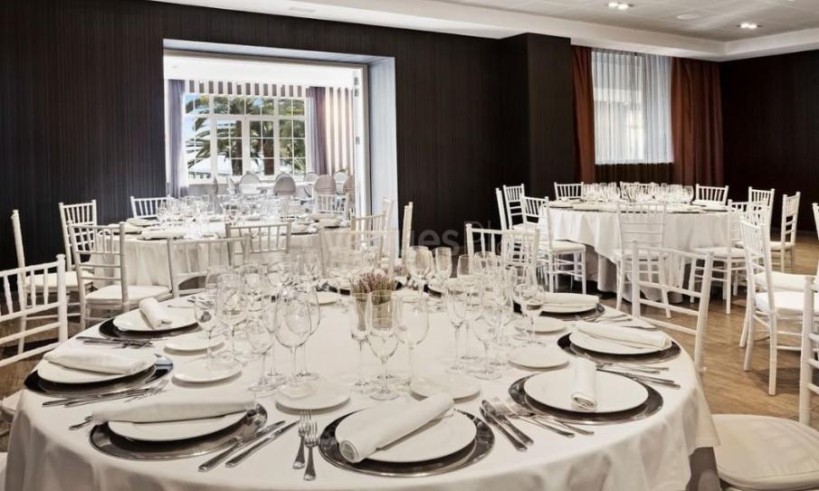 Montaje 3 en Hotel Catalonia Reina Victoria-Restaurante Azahar