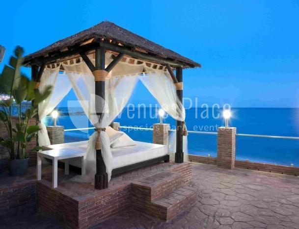 Terraza con vistas al mar en Restaurante La Viborilla y Malibu Beach club