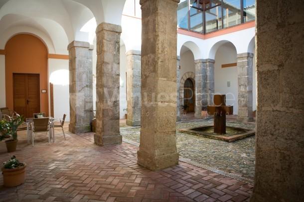 Patio Interior (Claustro) Hotel Convento San Diego
